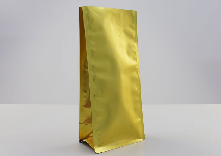 Matte flat bottom quad seal bag