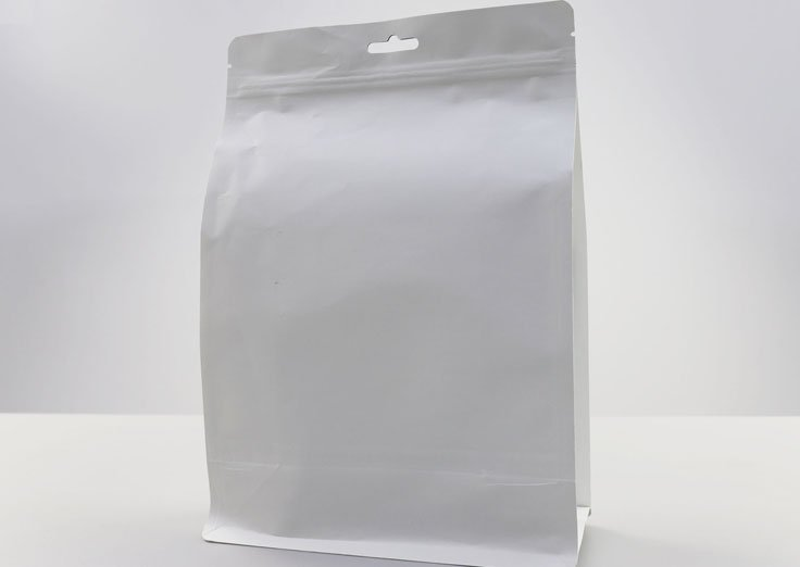 Flat Bottom White Kraft Paper Pouches With Resealable Ziplock